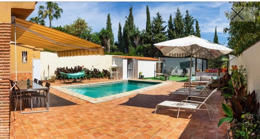 Wonderful villa for sale on 509 meters of fenced plot. It consists of a living room with fireplace, ,Spain