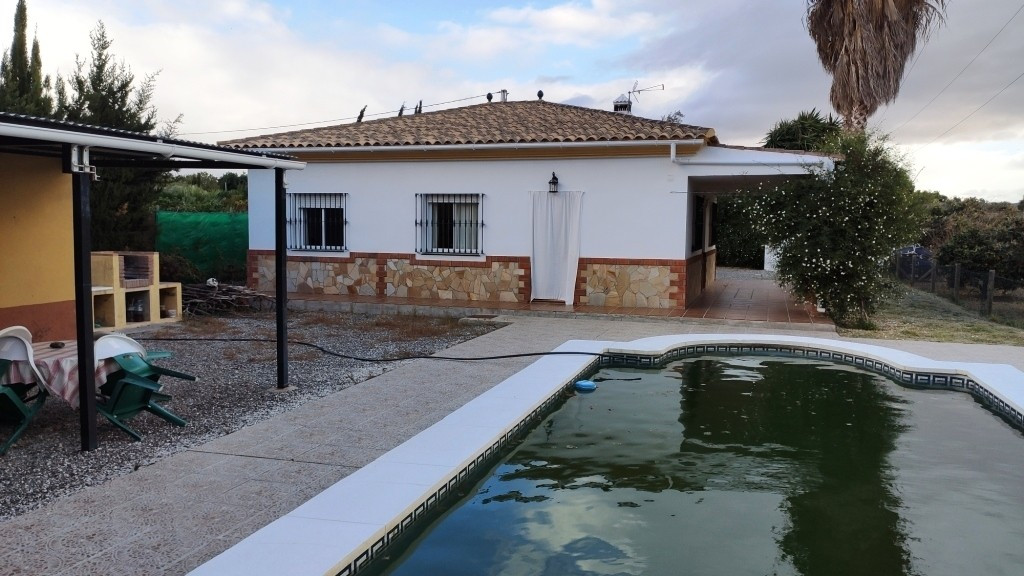 For sale a detached villa on one floor on 3500 m2 of fenced plot, consists of a living room with fir,Spain