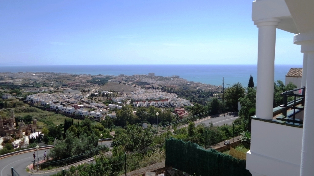 SPECIAL VIEWS TO THE SEA For sale spacious apartment of more than 100m2 consists of a living room wi, Spain