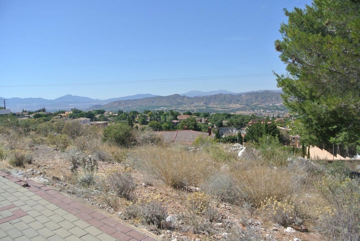 For sale an Urban plot with spectacular views to the sea and the valley, located in a quiet urbaniza,Spain