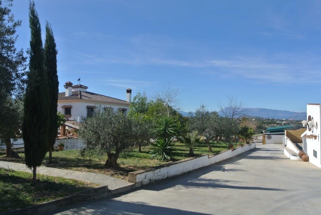 House in Alhaurín de la Torre R3349705 26