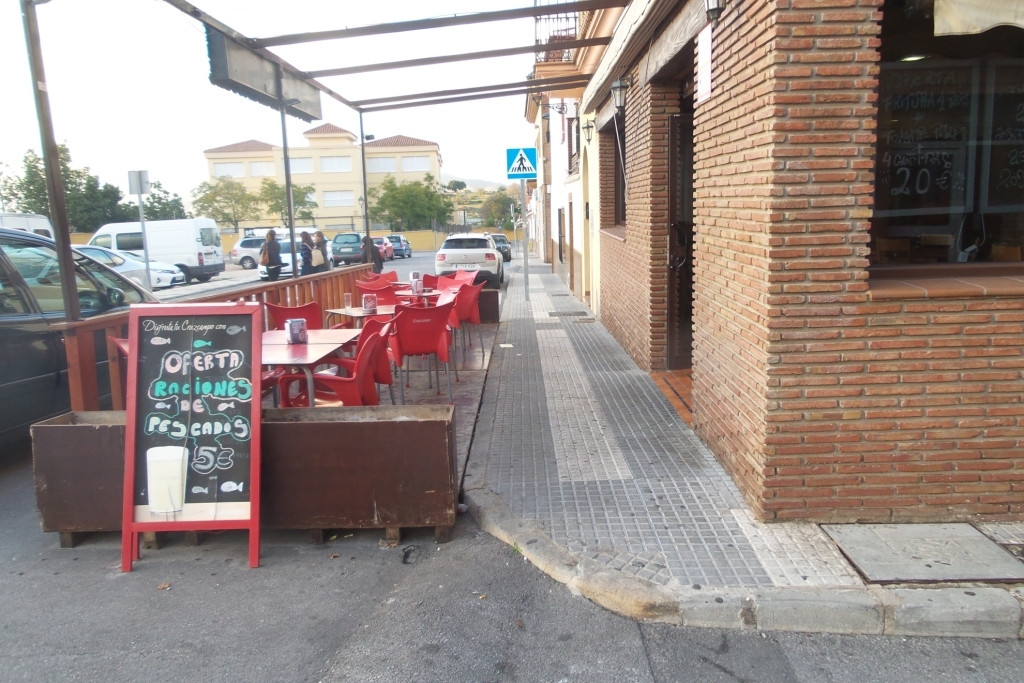 CENTRE OF ALHAURIN - For sale. A commercial premises of 110m2 working as restaurant bar cafeteria, w,Spain
