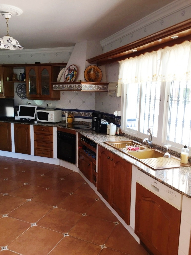 House in Alhaurín de la Torre R3186361 12