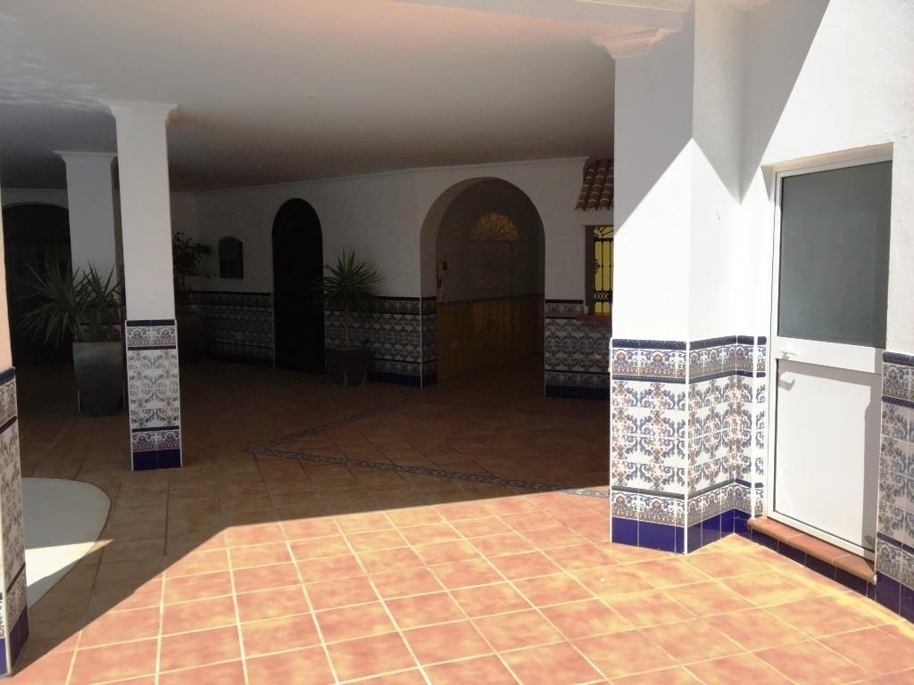 House in Alhaurín de la Torre R3186361 40