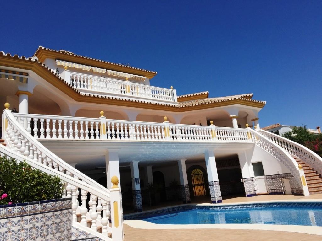 House in Alhaurín de la Torre R3186361 41
