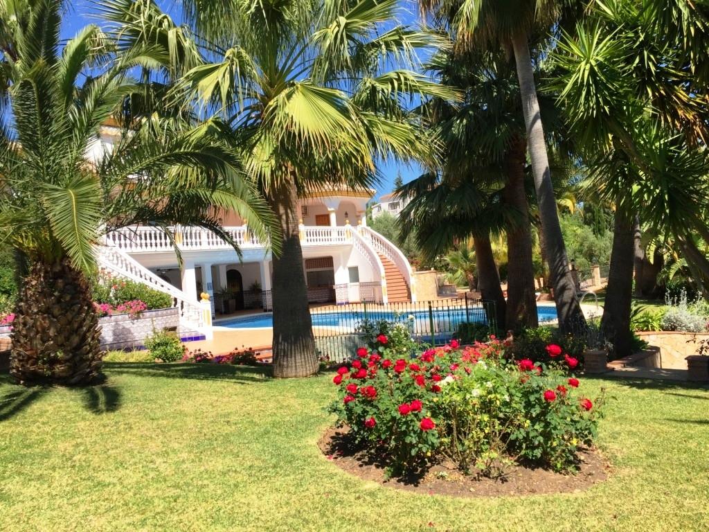 House in Alhaurín de la Torre R3186361 42