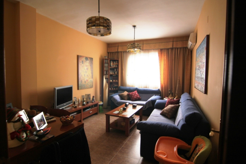For sale in a  2nd floor a 75m2 flat, right at  down town of Malaga, the capital of the Costa del So,Spain