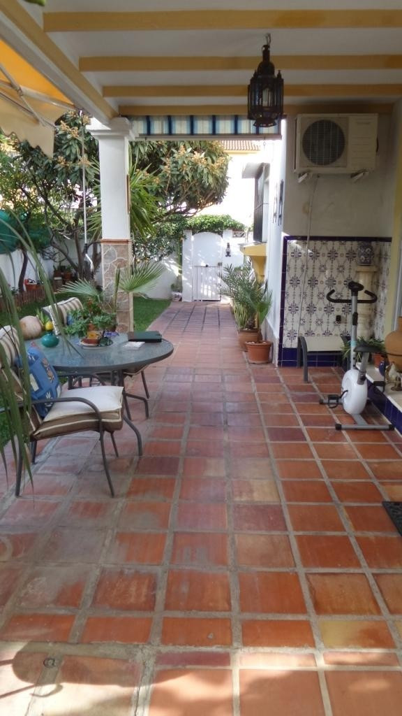 Semi-detached house in Alhaurin de la Torre located in a privileged environment. Semi-detached houseSpain