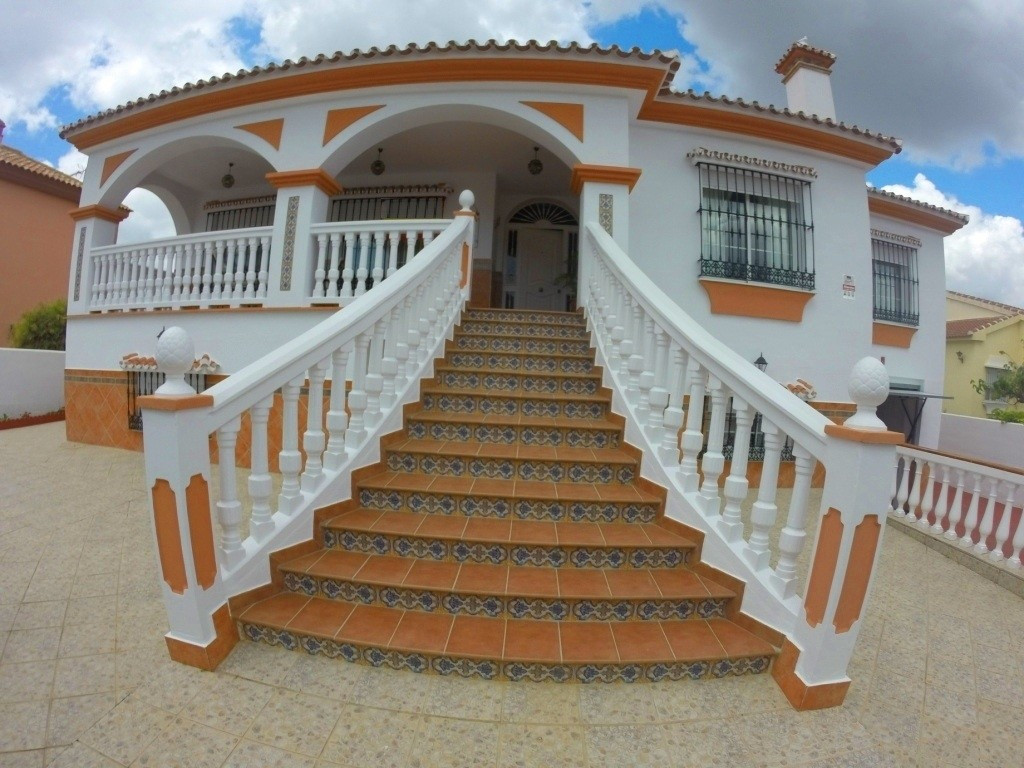 5 bedroom villa for sale alhaurin de la torre