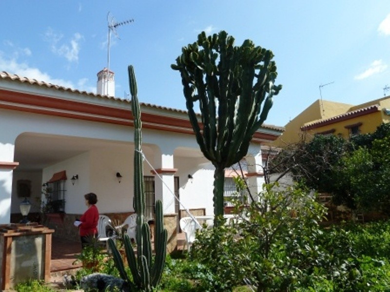 Independent Villa almost new (4 years) with high level of construction and good guidance to the sout,Spain