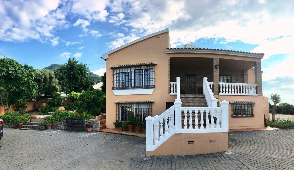 Villa 7 Dormitorios en Venta Alhaurín de la Torre