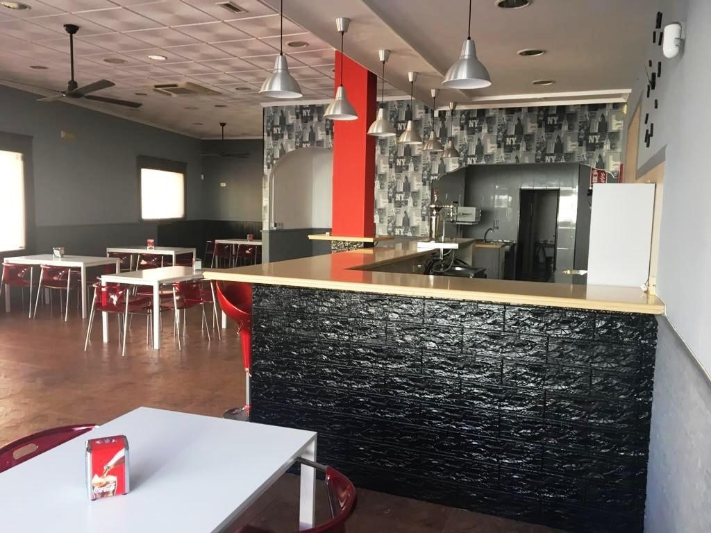 ALHAURIN DE LA TORRE.- For sale. A cafeteria-restaurant of 146m2 with some furniture and fully equip,Spain