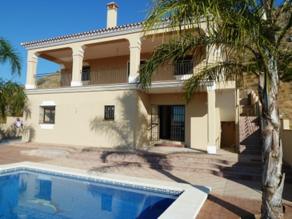 COIN (SIERRA GORDA) Detached Villa For sale brand new spectacular on 600m2 fully fenced plot. It has,Spain