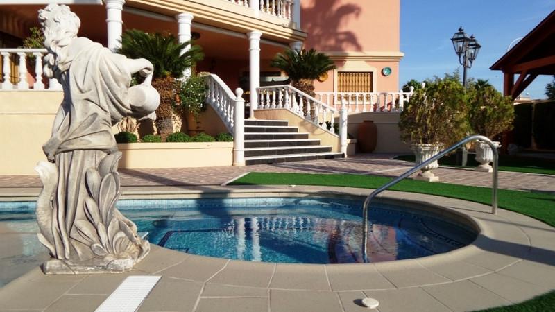 Marbella Banus Villa – Chalet a la venta, Torremolinos – R3016532