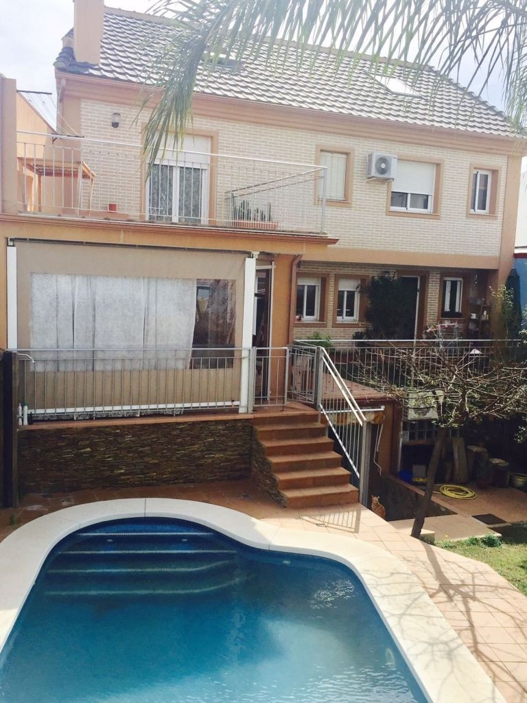 for sale spectacular new cottage house, consists of two living- dining rooms with fireplace, two ind,Spain