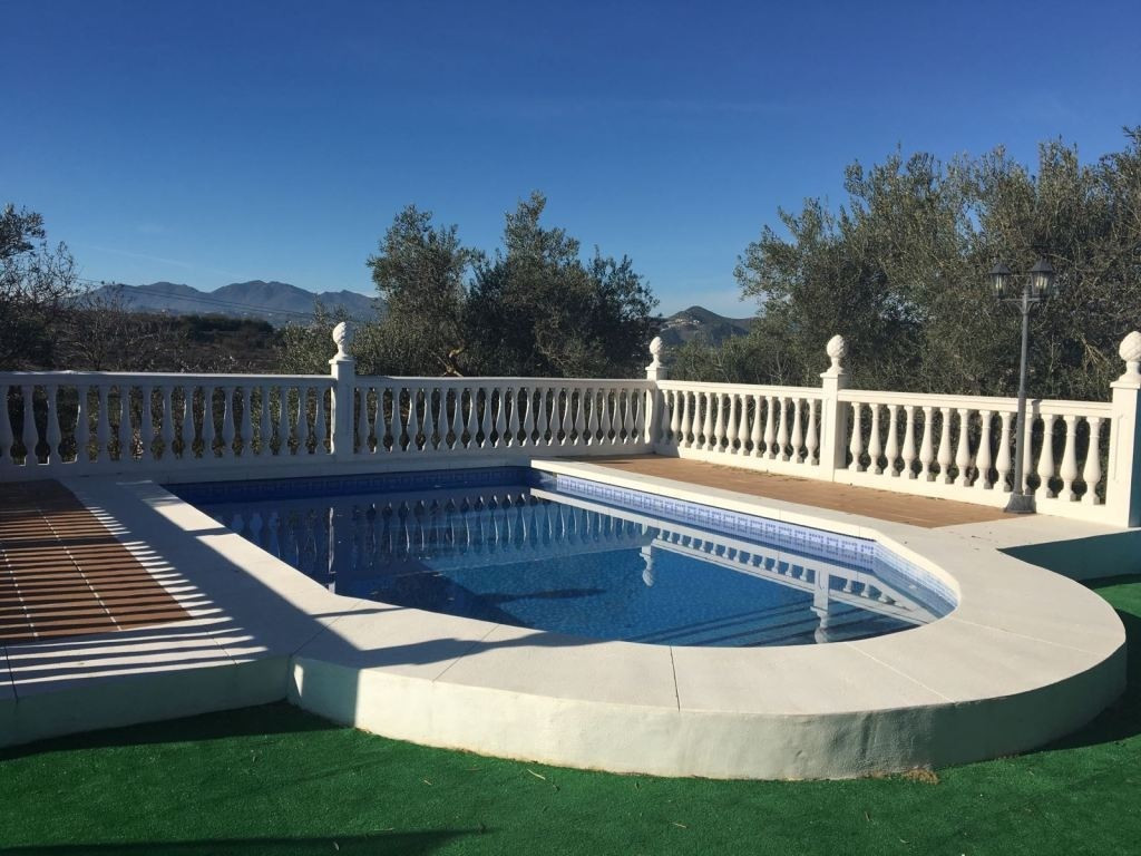FOR  SALE  SUPER AND IN EXCELENT CONDITIONS  PROPERTY ,  10 MINUTES FROM THE CENTRE OF ALH. EL GRAND,Spain