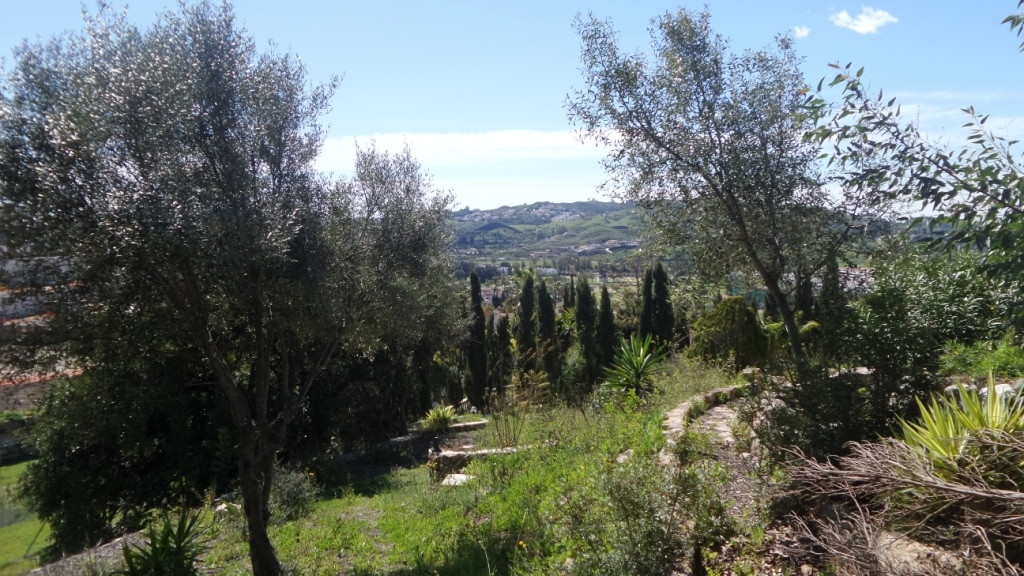 2569-V  For sale urban plot of 925m2 fully fenced with stone walls, possibility of building a villa , Spain