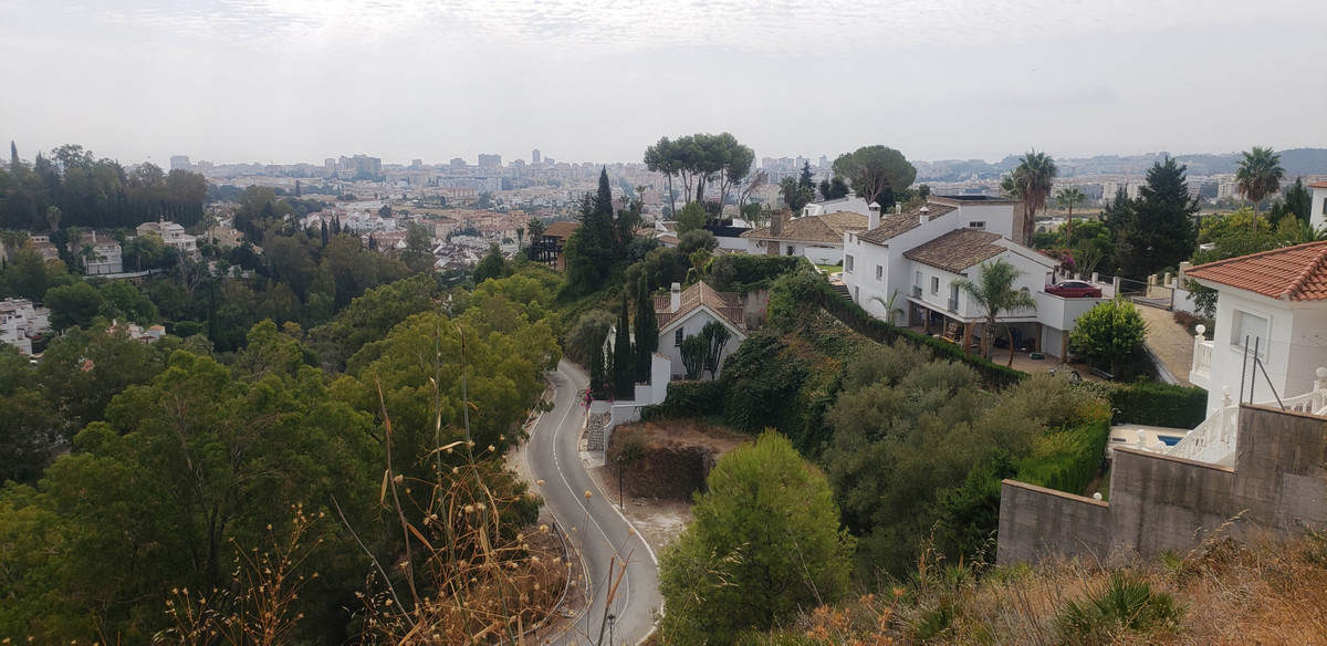 520m2 plot in La Sierrezuela urbanization - Mijas Costa. Just 3 km from the center of Fuengirola, wi, Spain