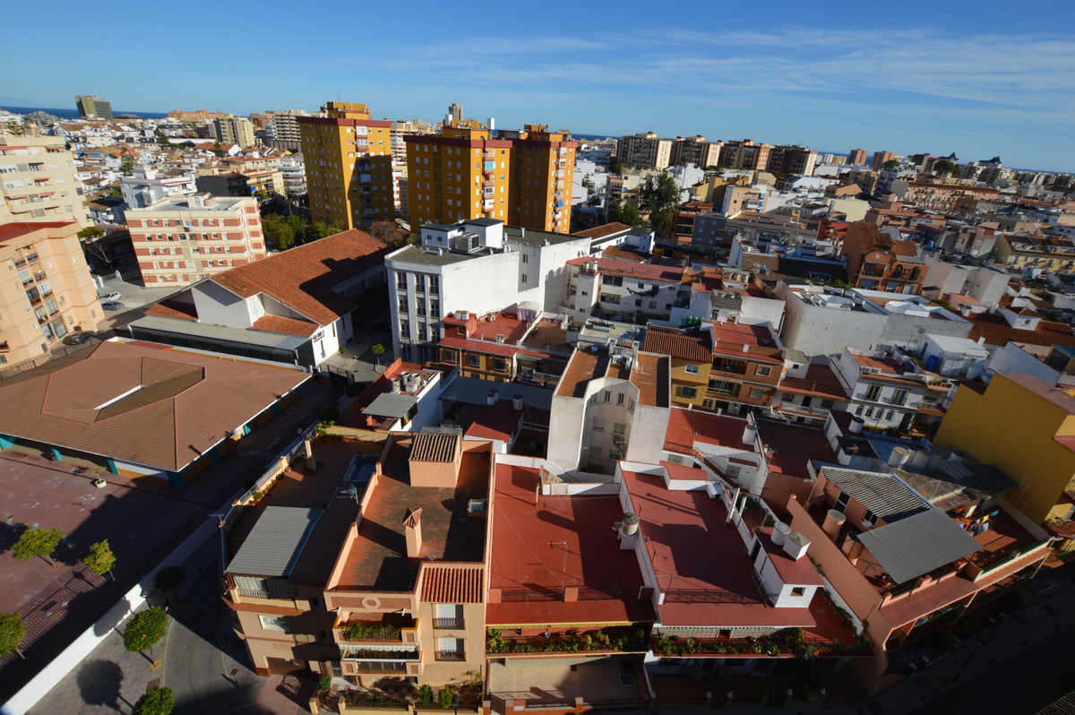 Apartment located on the top floor of the building, magnificent panoramic views of the city of Fueng,Spain