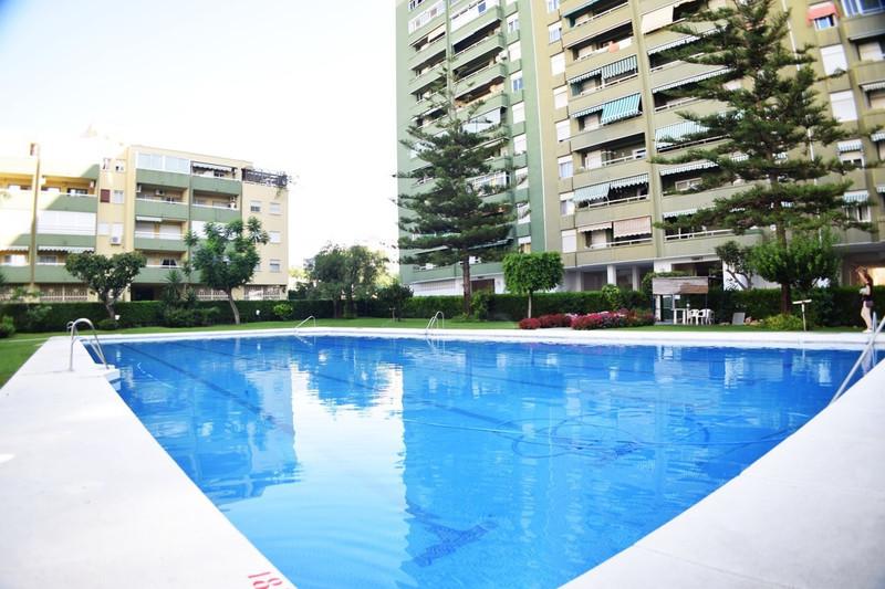 Apartamento Planta Media en venta en Los Boliches – R2972009