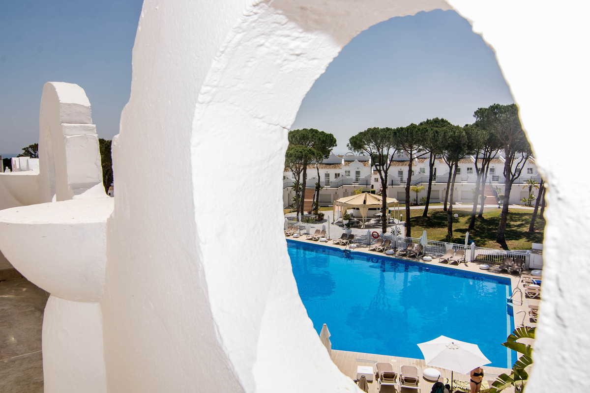 This is a beautifully refurbished townhouse situated in a lovely resort. It is ideally located near ,Spain