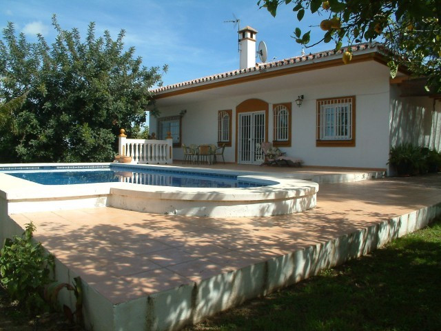 A delightful 3 bedroom villa set in La Chicharra with beautiful views across the valley to the mount, Spain