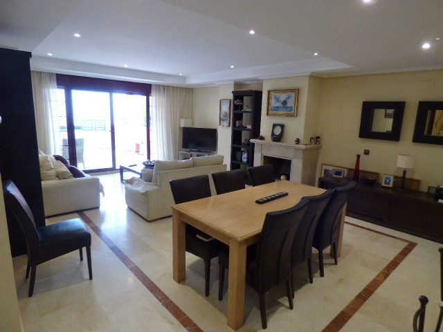 Huge Reduction of €34,000 Being a 4 Bedroom 4 Bathroom duplex apartment it is one of the rarer apart,Spain