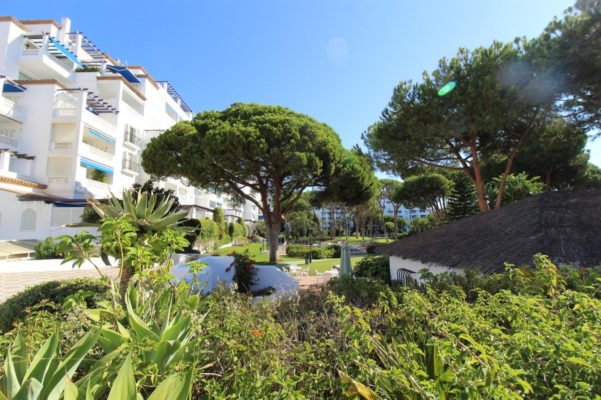 Great apartment in Playas del Duque on the beachfront in the heart of Puerto Banus. impeccable; It h,Spain