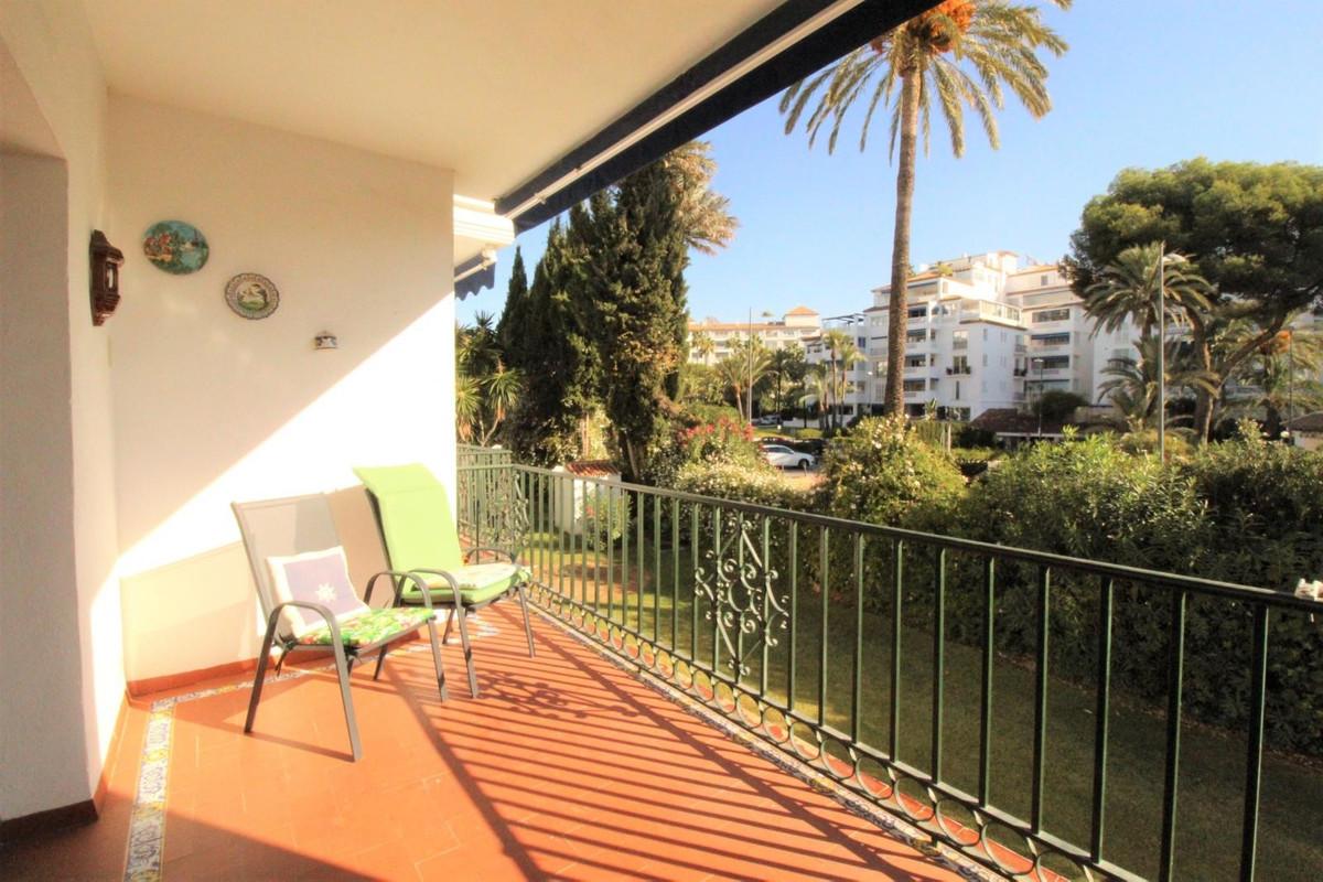 Marbella Banus Apartamento en Venta en Puerto Banús – R3759436