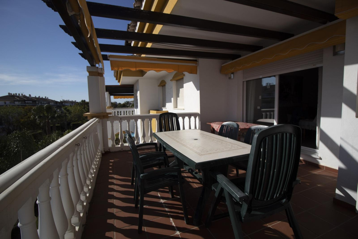 Marbella Banus Apartamento Planta Media en venta en Nueva Andalucía – R2881913