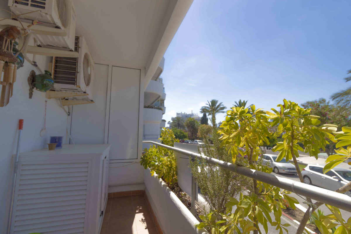 Superb 1 bedroom apartment recently refurbished. It has large living room, with access to terrace an, Spain
