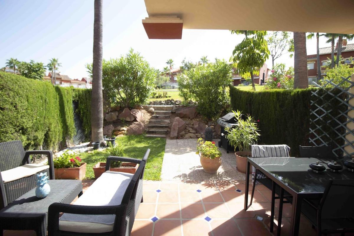 Fantastic 4 bedroom townhouse with private garden and solarium. On the main floor has a large living, Spain