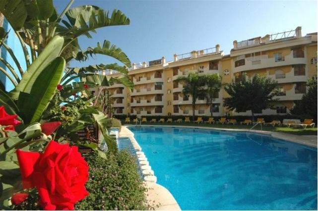 Middle Floor Apartment in Nueva Andalucia