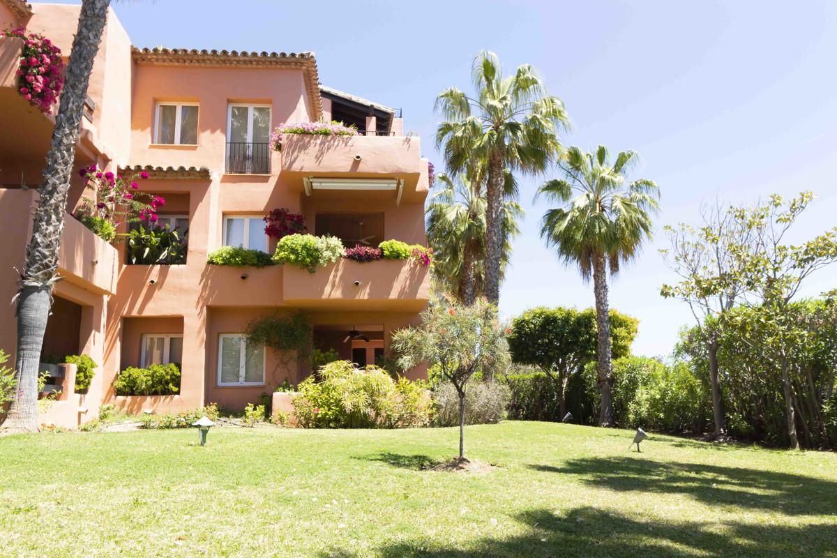 Marbella Banus Apartamento Planta Baja en Venta en The Golden Mile – R3048431