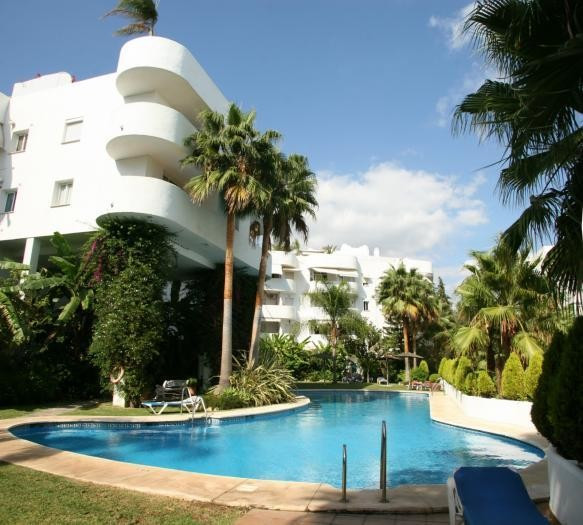 beautiful apartment with 2 bedrooms and 2 bathrooms, large terrace of 30m 2 to which can be accessed, Spain