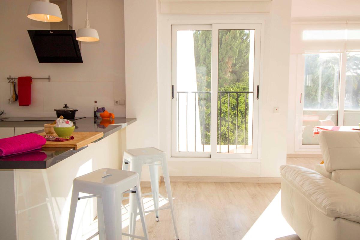 Marbella Banus Apartamento Planta Media en venta en Puerto Banús – R3024938