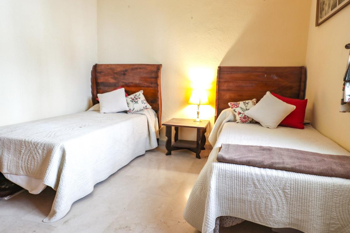 Apartamento Planta Baja en El Paraiso, Costa del Sol