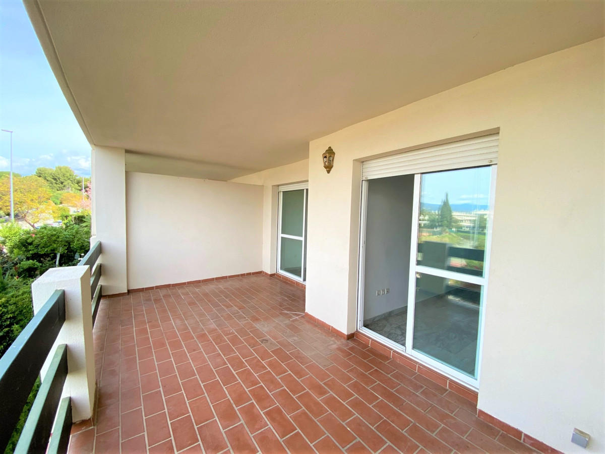 Marbella Banus Apartamento en Venta en Nueva Andalucía – R3825070