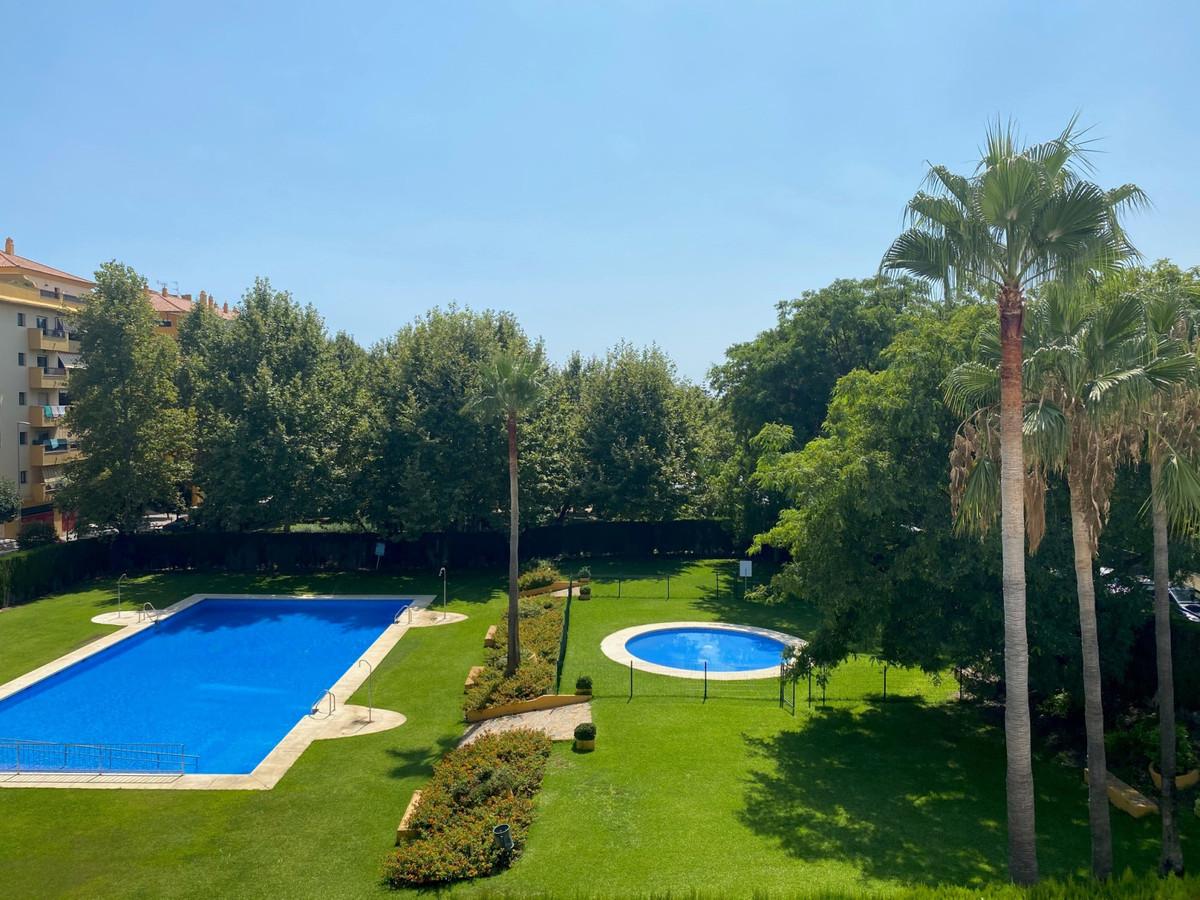 Middle Floor Apartment, San Pedro de Alcantara, Costa del Sol. 3 Bedrooms, 2 Bathrooms, Built 150 m²,Spain