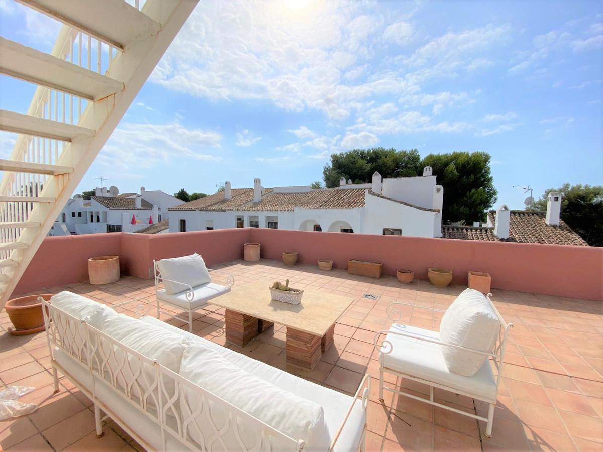 Marbella Banus Ático en Venta en Atalaya – R3931969