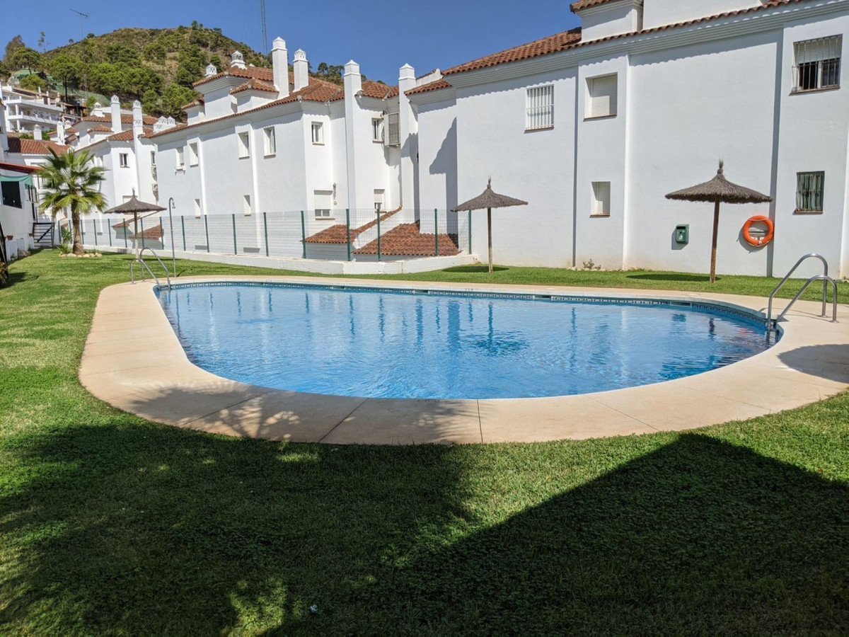 Marbella Banus Apartamento en Venta en Benahavís – R3778969