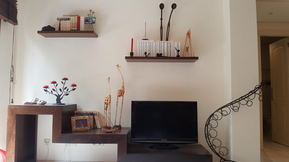 Apartamento Planta Media en Venta en Elviria – R3452284
