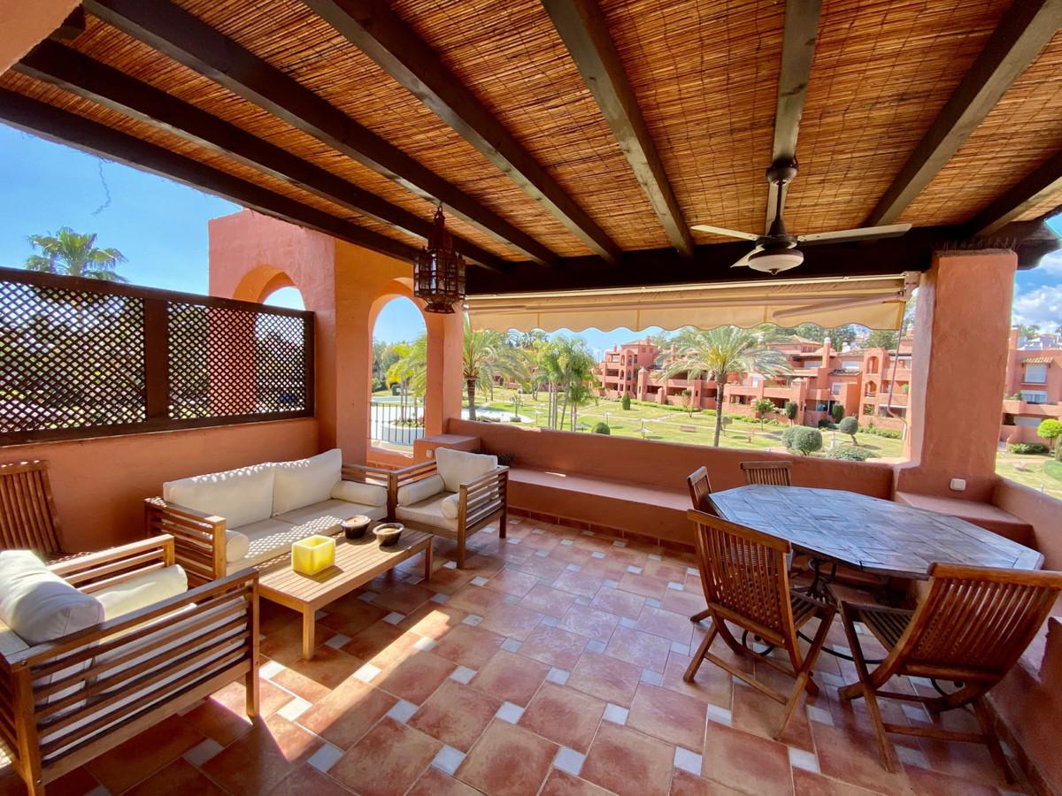 Apartamento 4 Dormitorios en Venta Guadalmina Baja