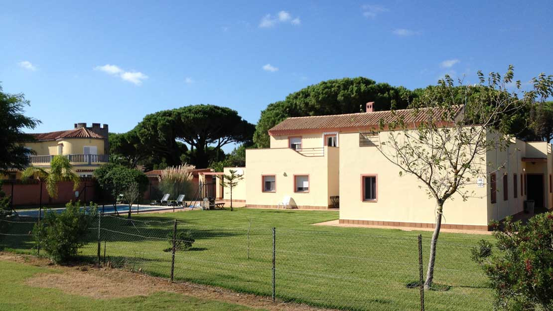 Excellent, 6 bedroom golf villa , close to the beach and local amenities, with large gardens front a,Spain
