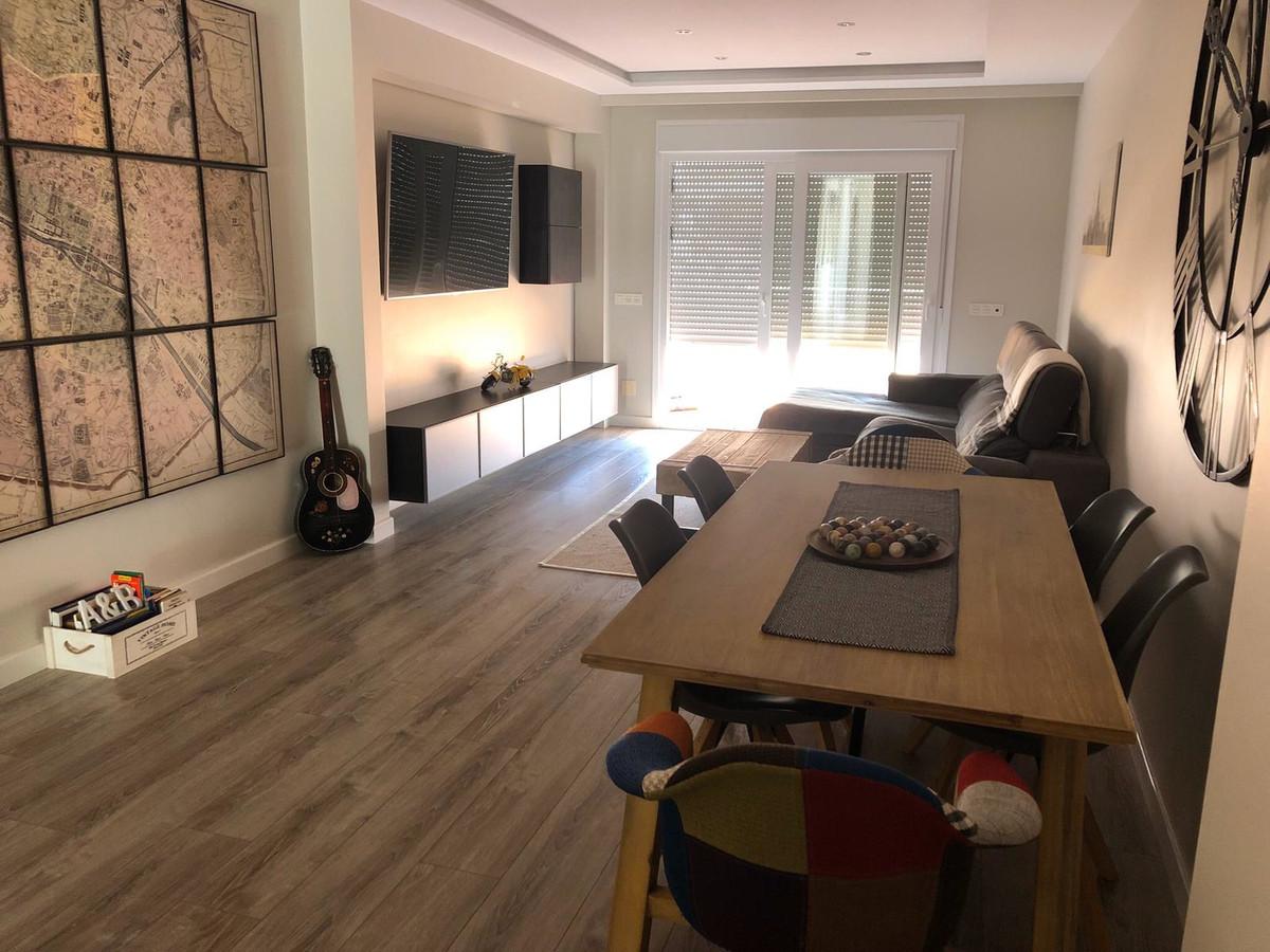 Appartement  Mi-étage en vente   à Selwo
