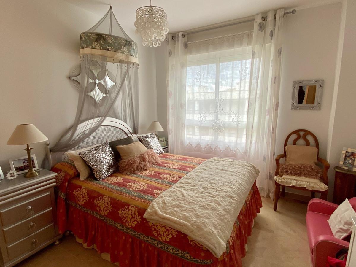 Apartamento en Venta en Guadalmina Alta – R3404770