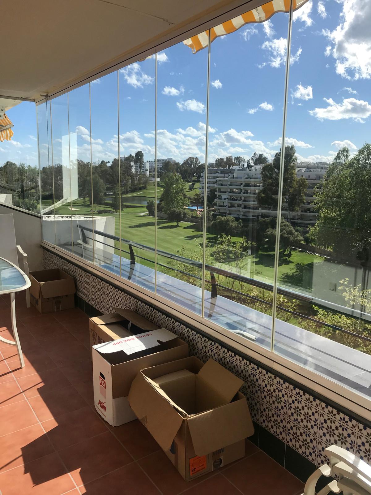 Apartamento en Planta Última  en venta en  Guadalmina Alta, Costa del Sol – R3395620