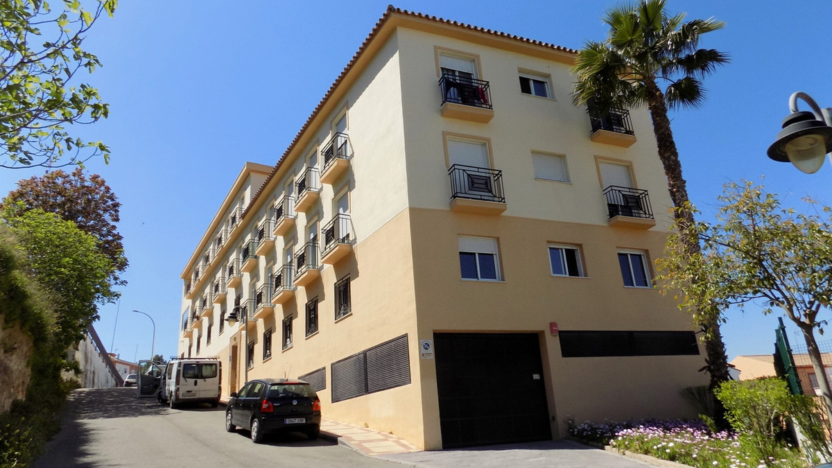 Apartment for sale in Coín