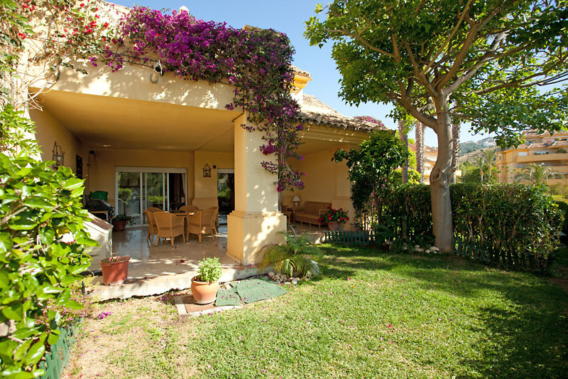 Townhouse, Rio Real, Costa del Sol. 4 Bedrooms, 3 Bathrooms, Built 220 m².  Setting : Frontline Golf, Spain
