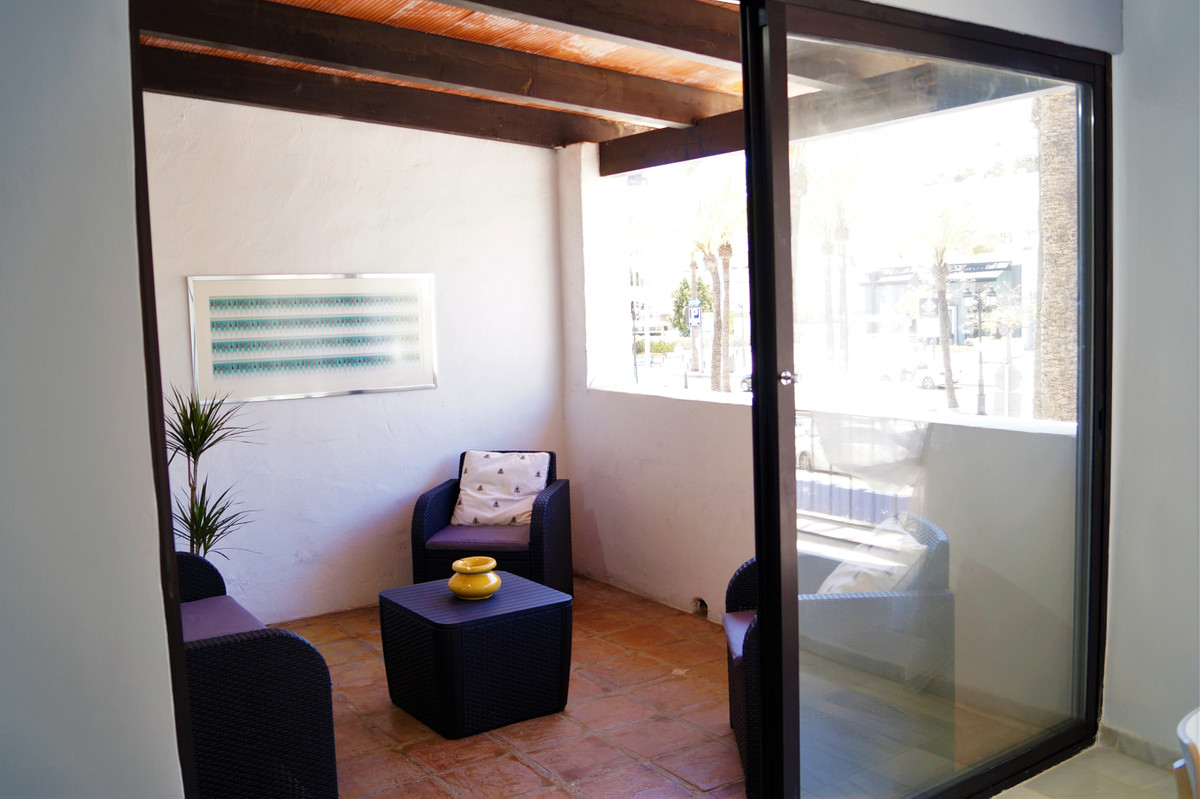 Apartment Middle Floor for sale in Puerto Banús, Costa del Sol
